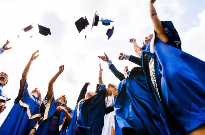 o que é graduação e pós graduação
