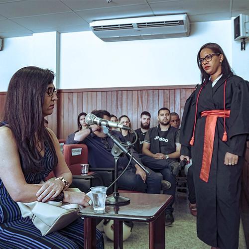 Alunos do curso de Direito da Faculdade Batista Brasileira participam de Júri Simulado no Fórum da Família