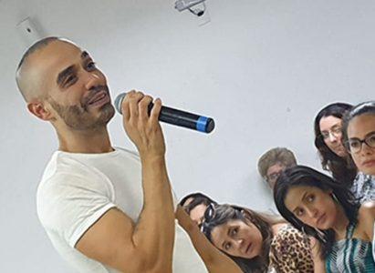 Chef Pâtissier baiano Julio Ketteley, confeiteiro em Londres, visita o Brasil e realiza palestra para convidados na Faculdade Batista Brasileira
