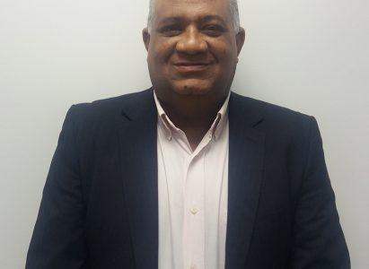 Nosso professor Dr. Paulo Henrique recebe homenagem durante o XIV Simpósio de Fisioterapia do Hospital Santo Antônio das Obras Irmã Dulce