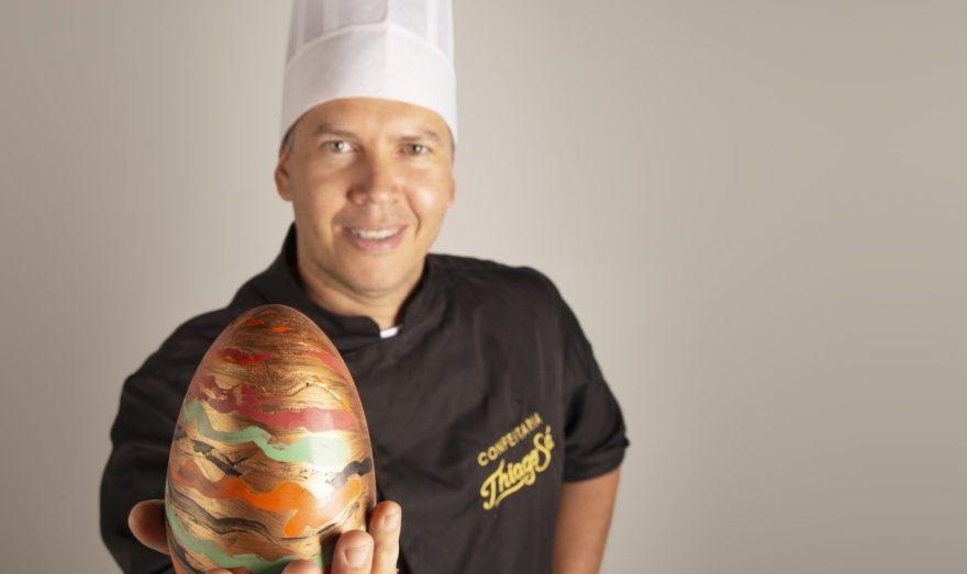 """Curso de Gastronomia promove Live sobre """"O uso do Chocolate na Confeitaria"""" com os Chefs Thiago Sá e Bruno Tupinambá"""